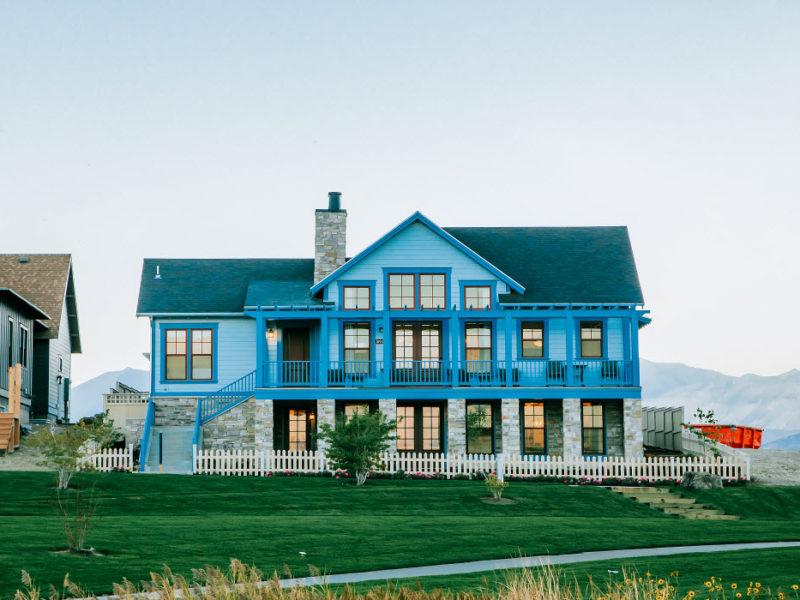 Waterside Manor On The Island At Daybreak