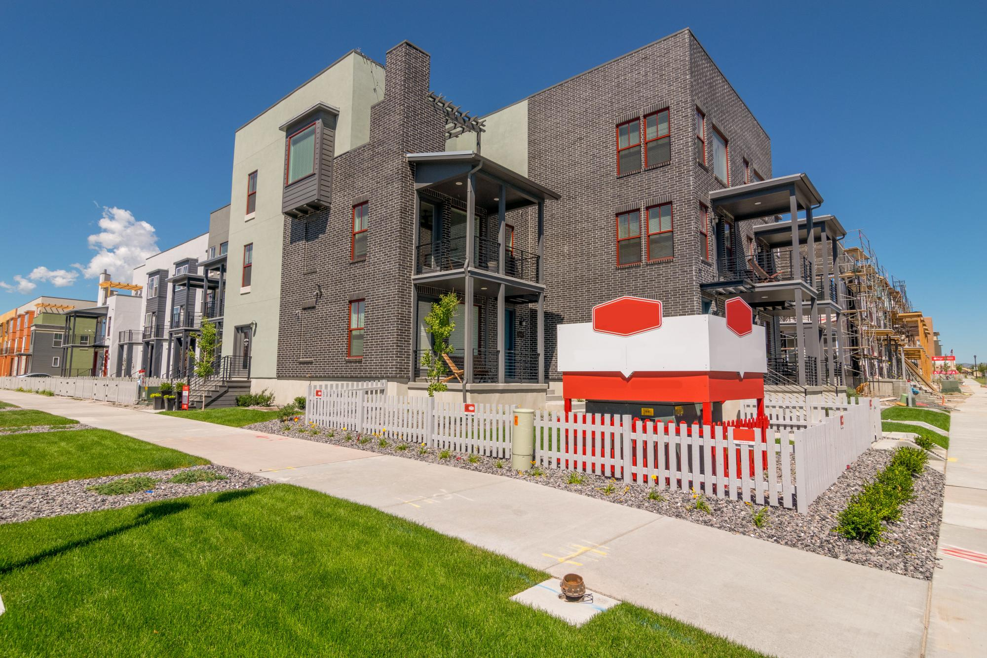 Daybreak – Downtown Daybreak Townhomes