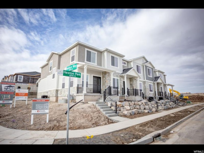 Townhomes At Holbrook Farms