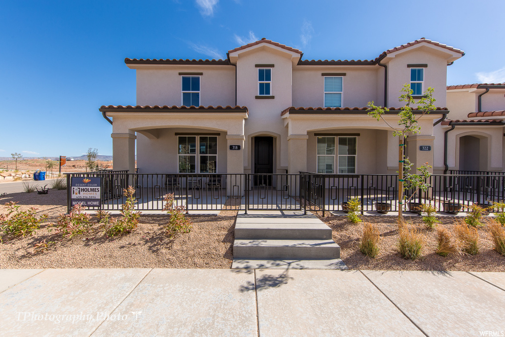 Desert Color Townhomes- Holmes Homes