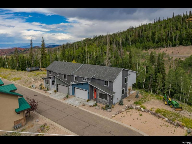 Crooked River Townhomes