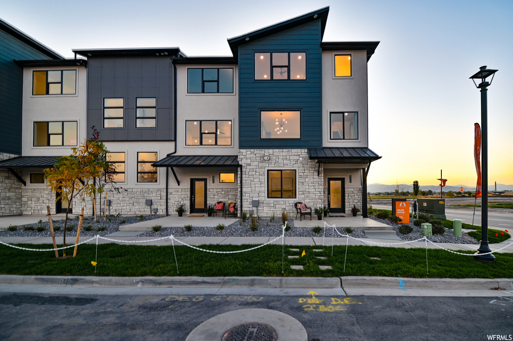 Rockwell Ranch Townhomes- Keystone Construction